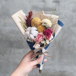 Cotton dried bouquet of roses