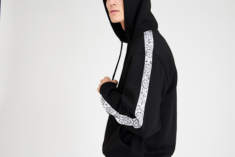 Sweatshirt with Hood Black