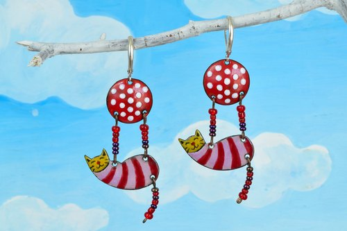 Cat Earrings, Enamel Cat Earrings, Lucky Cat, Fortune Cat Earrings, Cat Jewelry, Ball, Earrings With Polka Dots, Ball With Polka Dots,