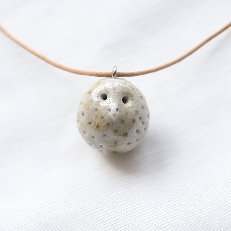 Firewood Pottery Oil Necklace Grey Dot Owl
