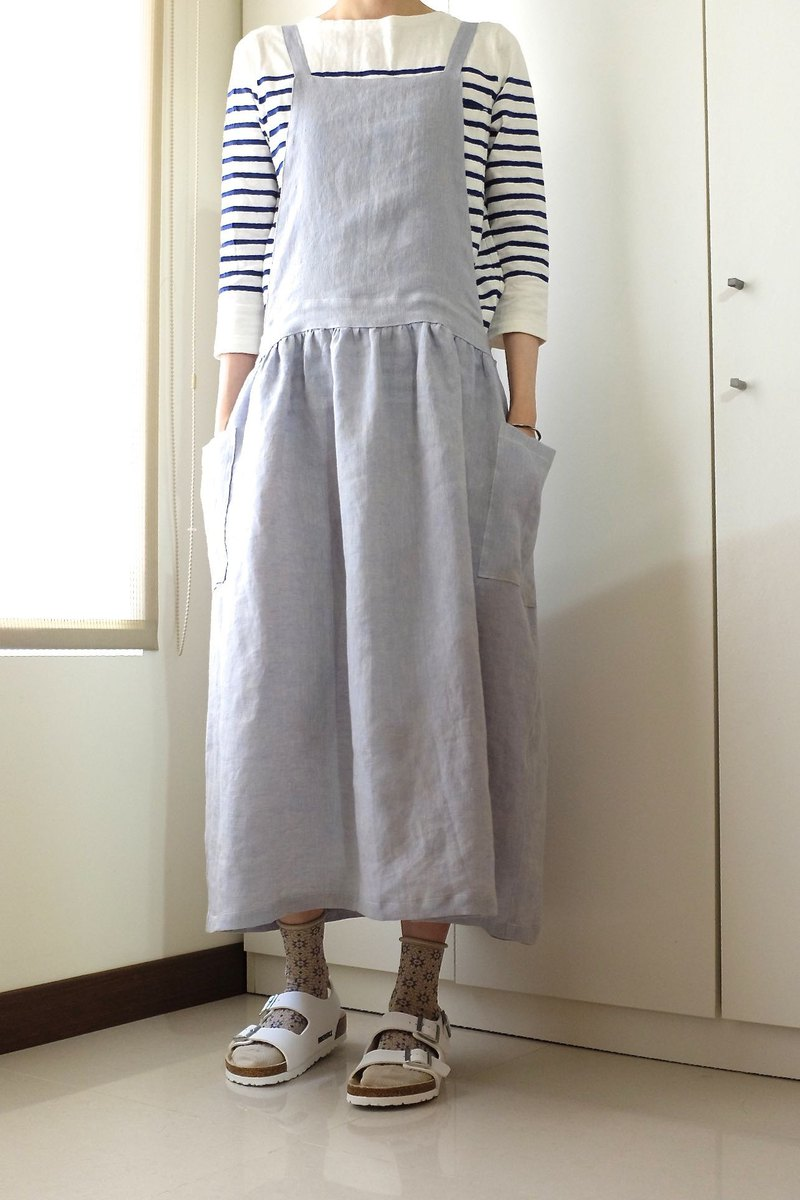 The daily hand-made clothes live in the girl mixed color light blue strap apron linen