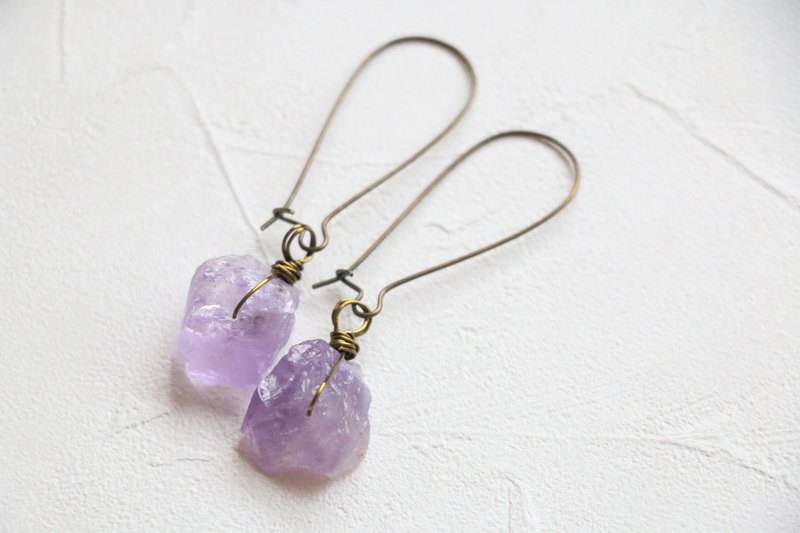 Raw amethyst dangle earrings - antique brass plated earrings