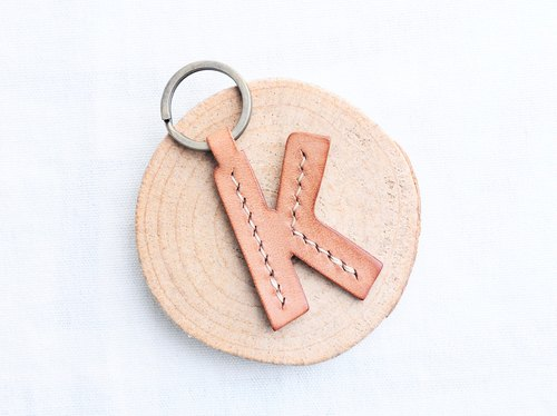 【First word K | English letter key chain - white wax skin group | WW】 good seam leather material package hand wrapped wax leather key chain key ring simple and practical Italian leather tannery leather DIY