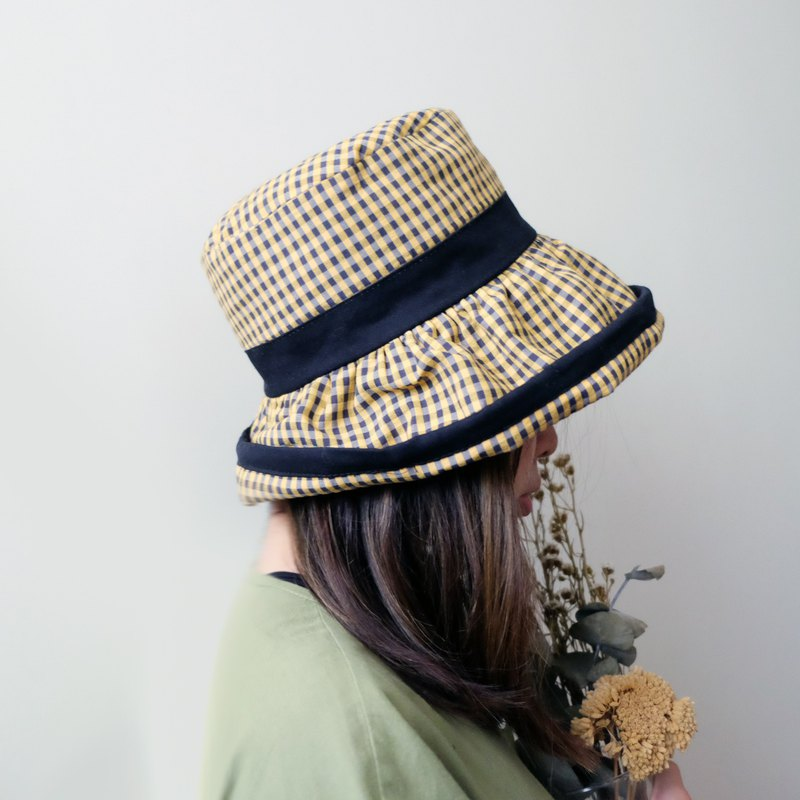 Japanese style curling yellow and black fisherman hat