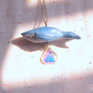 Humpback whale glass bead necklace three-dimensional clay necklace