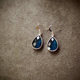 [Azure water drop] imported cut glass drip ear green color sterling silver