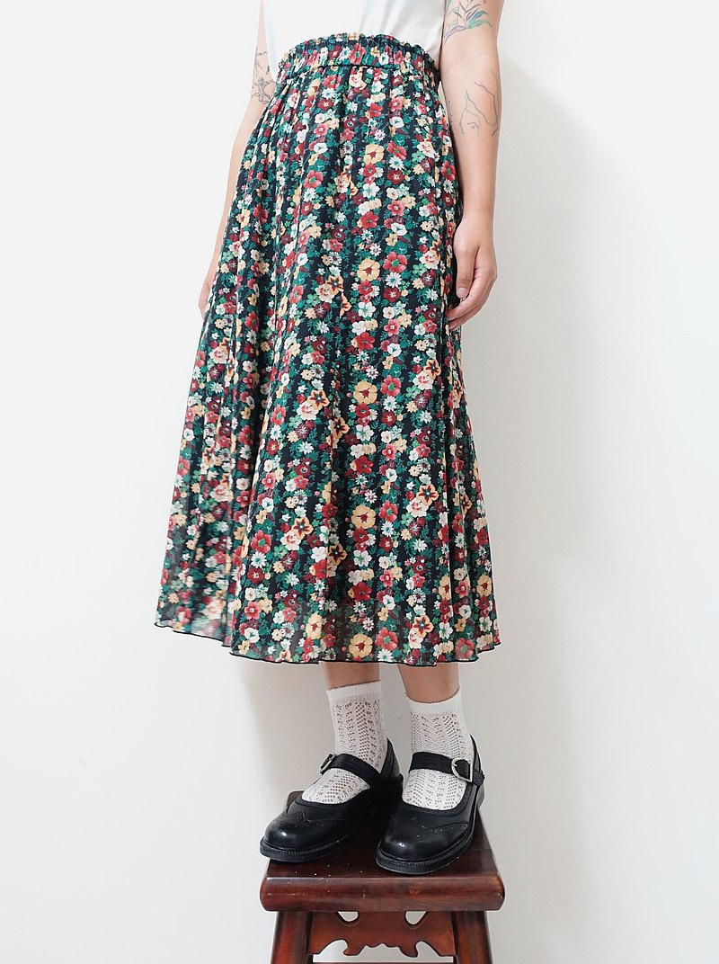 Awhile one time | Vintage floral skirt no.124