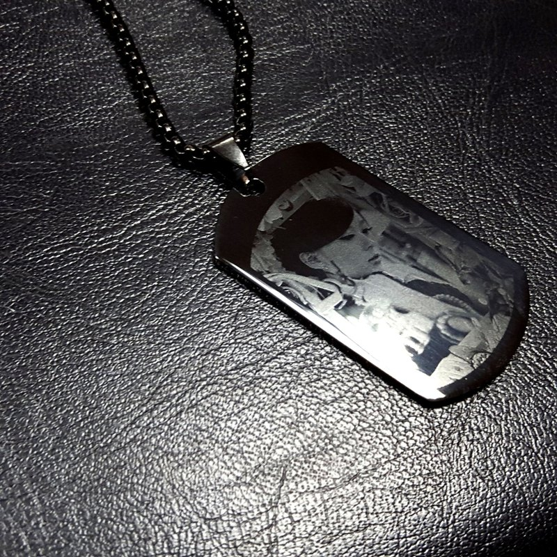 Q1 - Royal Craftsmanship - Custom Photo Engraving - Titanium Steel Necklace
