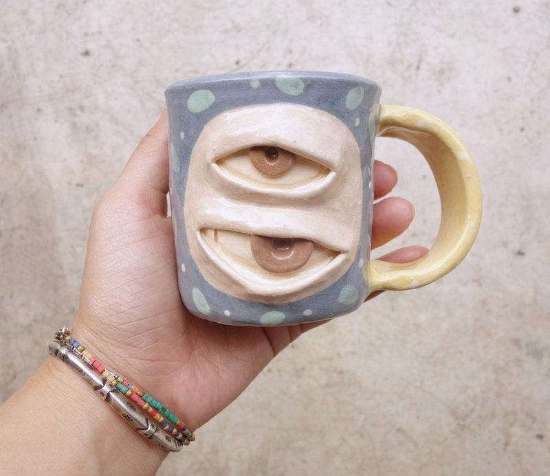 Handmade ceramic mug 2 eye in pastel.