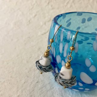 Petite crochet x stone earrings -howlite and opal
