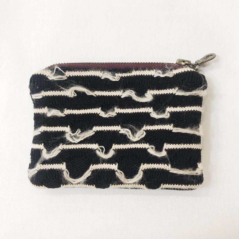 Knitting [flower window sill X Glory] black line effect joint series coin purse