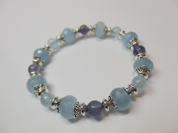 """Rolling Clouds"" - Natural cut aquamarine + cordierite + circle Zhuhai Sapphire Silver Bracelet Hong Kong original design"