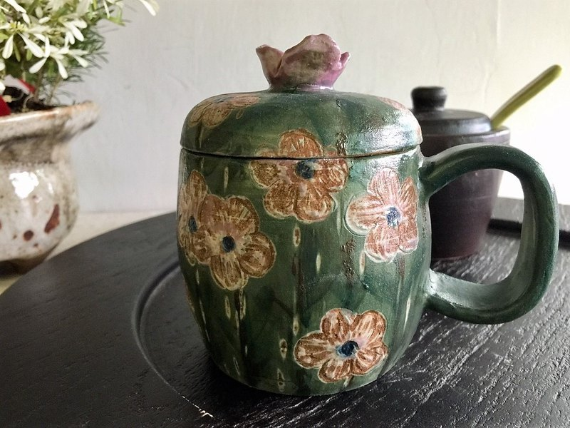 Unknown flower name with a mug _ pottery mug