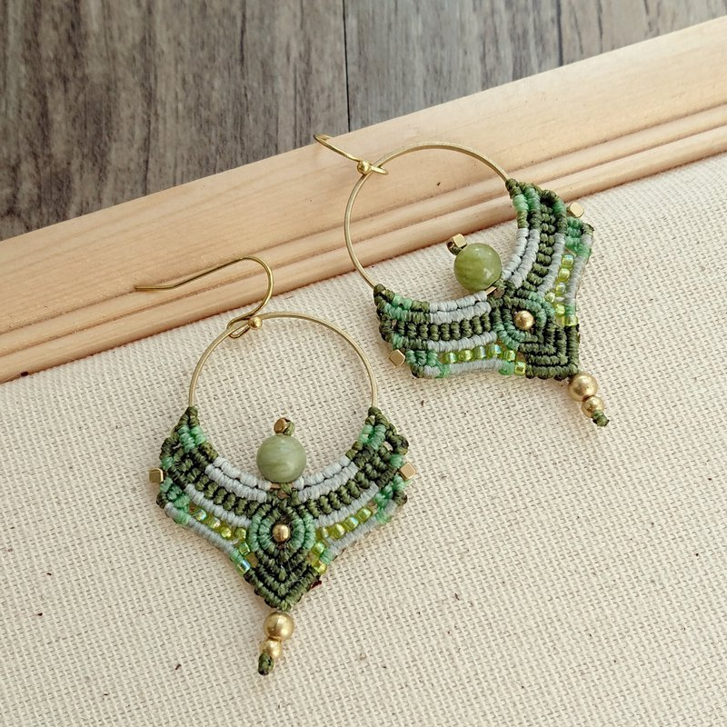 Misssheep A107 - macrame earring with japanese beads