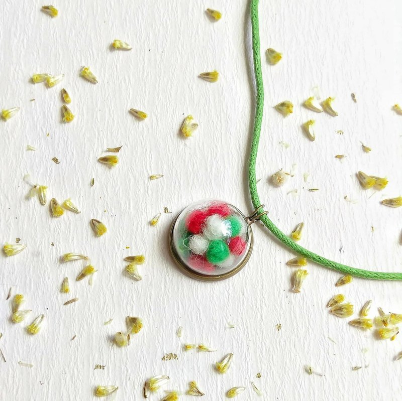 Christmas hand made wool felt necklace free packaging