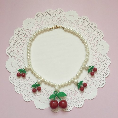 CHERRY faux pearl necklace 車厘子仿珍珠頸鏈