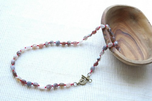 Onyx necklace (red)