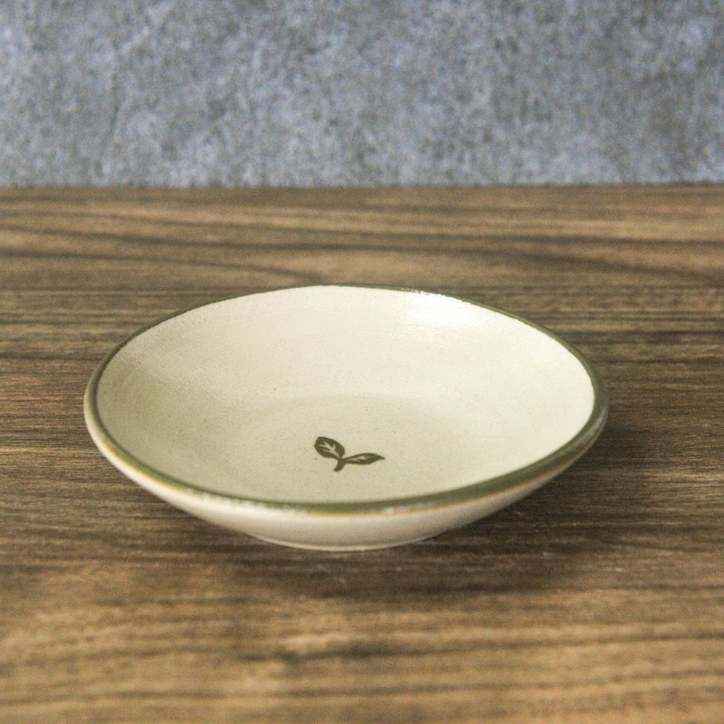 Pottery made of small grass, long and small plate, soy dish