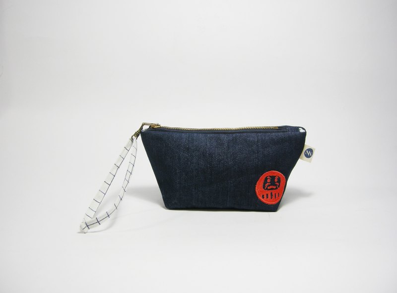 ● red dot tumbler embroidery FIG clutch (denim) __ as for hand-made zipper bag zuo zuo