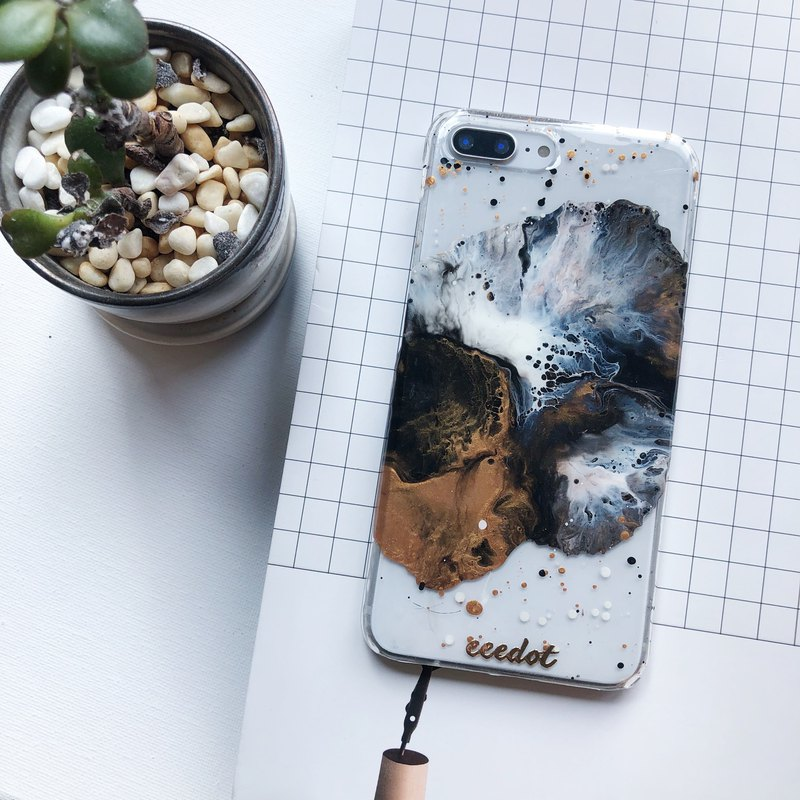 IPHONE 7+/8+ | Black copper rust | Hand-painted phone case