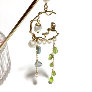 """Luminous Forest"" birdie. pearl. Peridot. Natural stone hairpin."