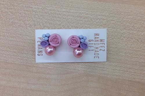 Roses with artificial pearls earring