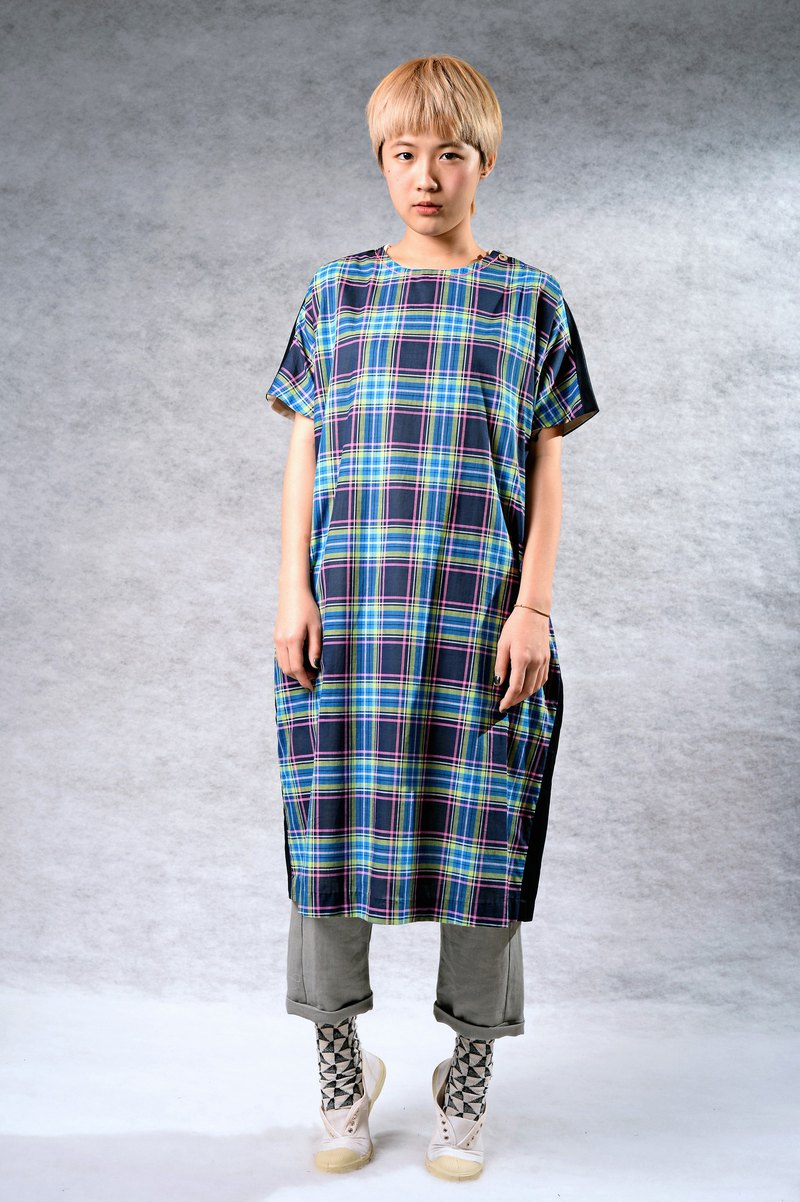 Plaid lines * intellectual atmosphere dress