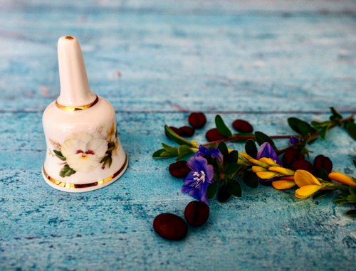 British porcelain flower cute bell B paragraph