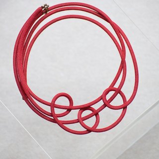 Lussli | Knitted Necklace - CIRCLE (Dark Red)