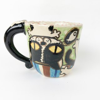 Nice Little Clay Handmade Cup Upside Down Naughty Flower Cat 0103-18