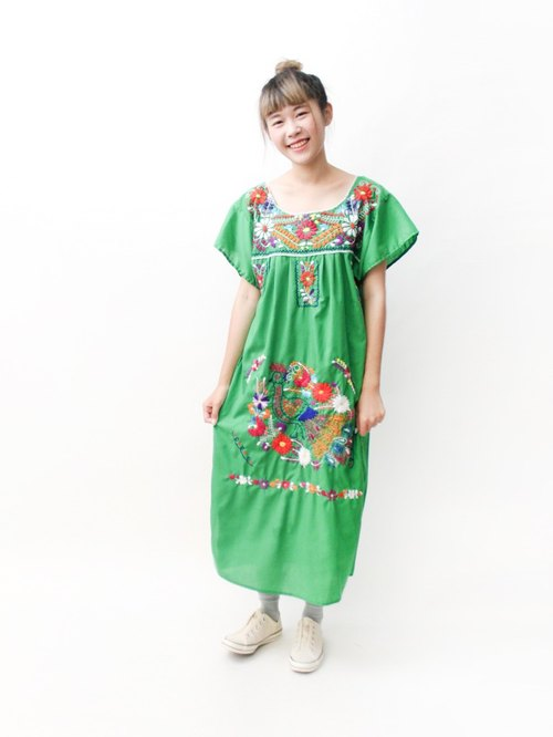 【RE0602MD050】 early summer green peacock flowers hand embroidery American Mexican embroidery ancient dress