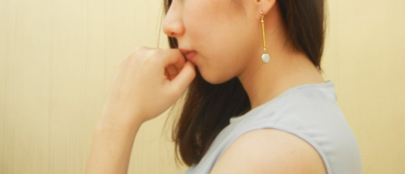 *coucoubird*brass tube elegant sled earrings