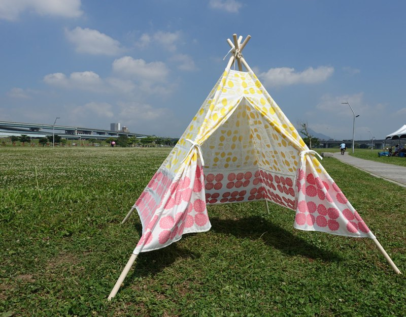 Picnic hand-printed tent yellow lemon pink flowers (without sticks)