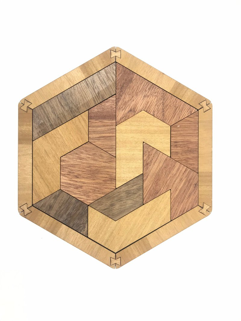 [卷木森活馆]Combination model puzzle game toy series hexagonal puzzle (finished product)