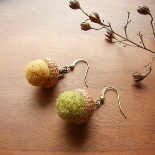 *Coucoubird*Wool Acorn earrings / ultra-limited