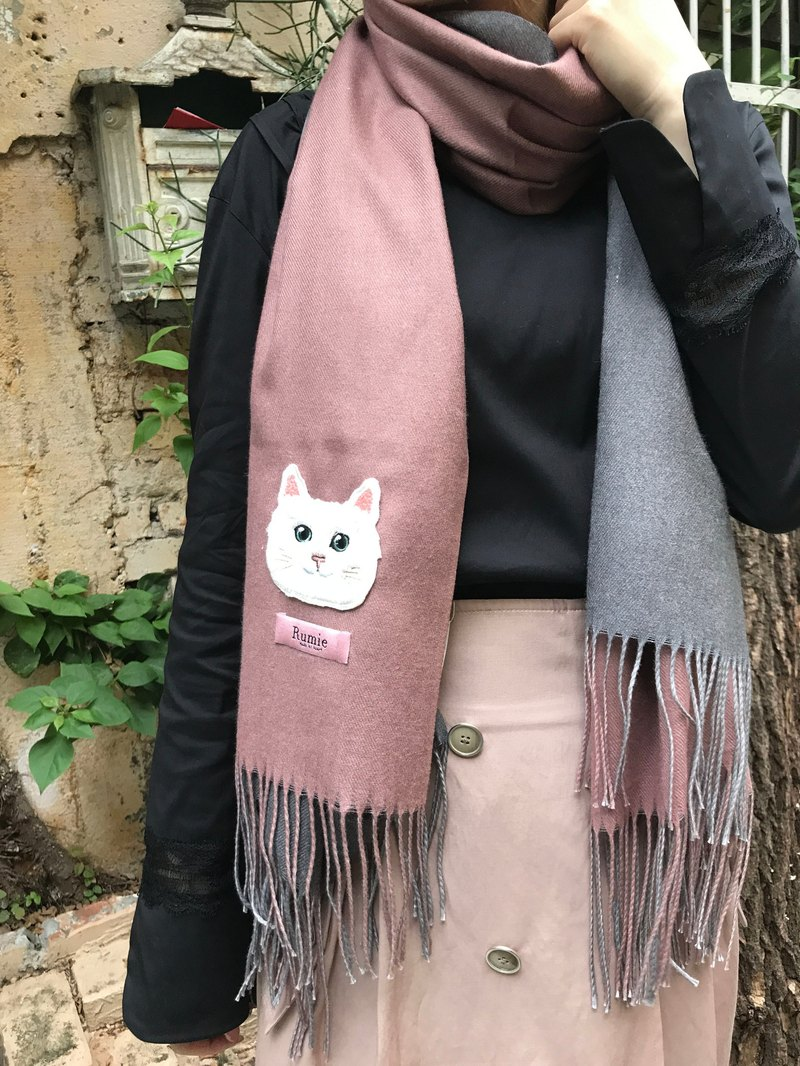 Classic two-tone cat embroidered cashmere scarf (藕 pink + gray)