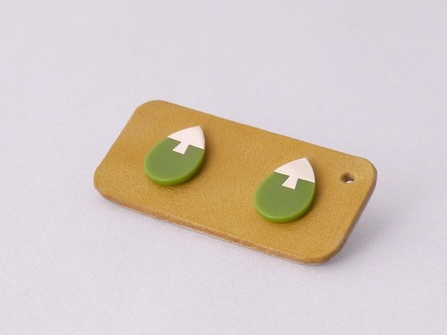 Flat Earrings K10YG Green
