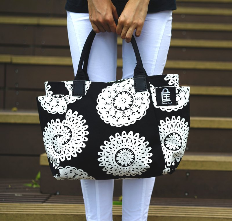 Classic black and white with large tote bag