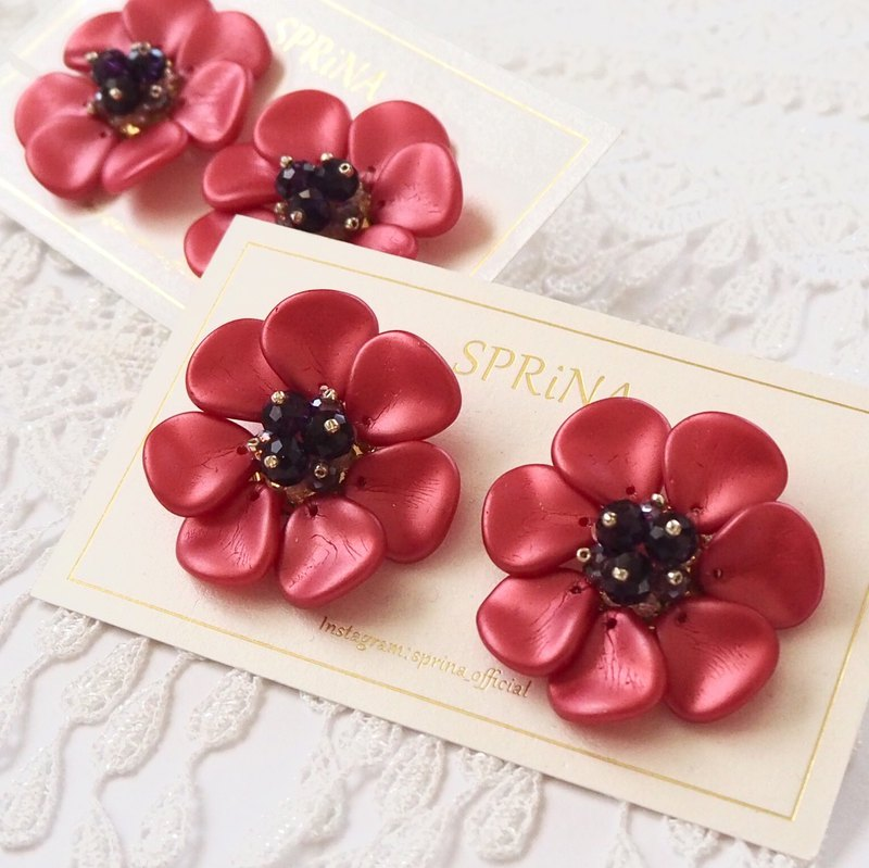 Anemone earring (coral red)