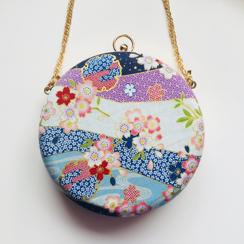 Streamer Sakura Small Round Bag - Can be held / Slanted
