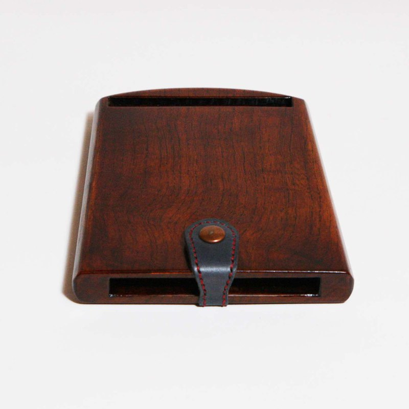 Urushi tablet case