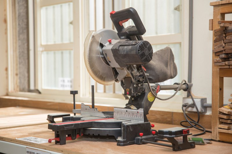 Woodworking equipment basic class - circular saw, cutting machine, trimming machine (simple finger joint)