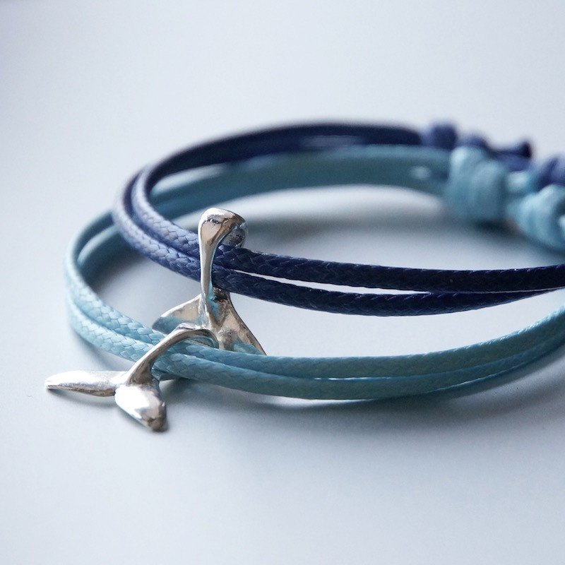 ITS-B801 [Minimal series, swim to the sea] 1 whale tail wax rope bracelet.