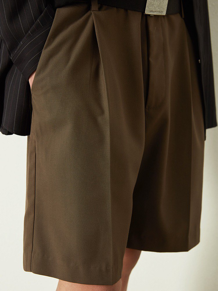 OPICLOTH SINGLE PLEAT SHORTS Single Pleated Dark Line Quarter Suit Shorts