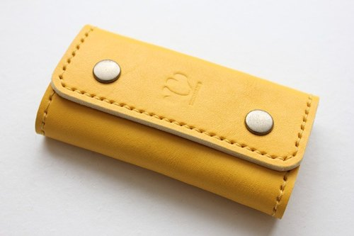 Key case / palm-sized double button yellow 4 consecutive key