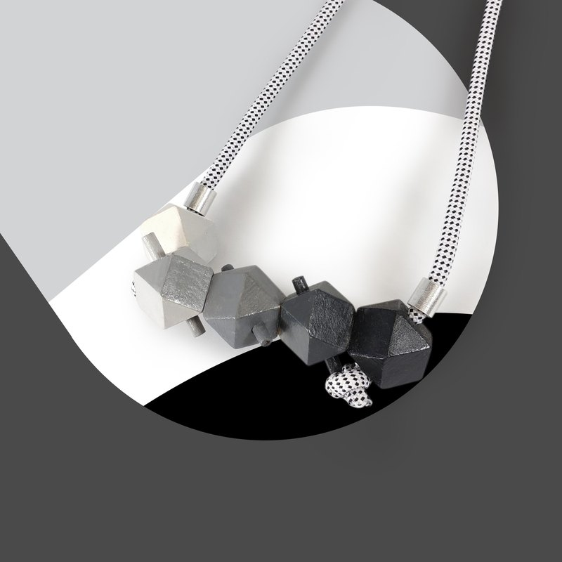 Puppets 3D Stereo Black Gradient Necklace Necklace Hexagon