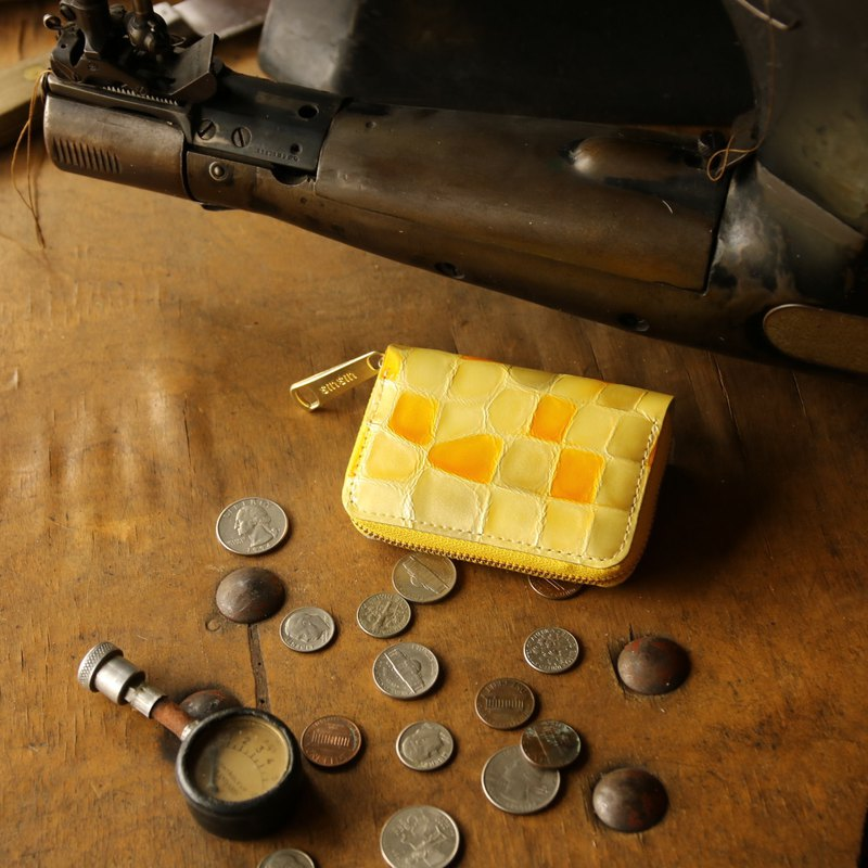 Japan manufactured cowhide coin payment coloring glassy yellow made in JAPAN handmade leather wallet coincase