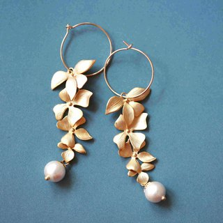Flower-like brocade earrings │14kg can be changed to clip-type matte gold-plated leaves Christmas gift
