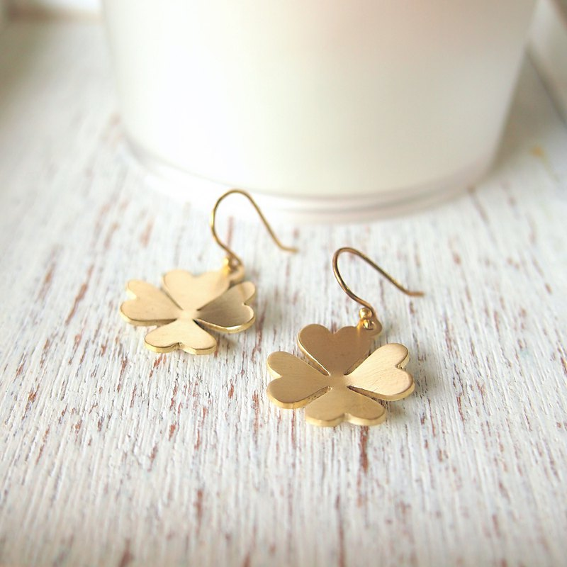 Lucky clover leaf brass handmade earrings