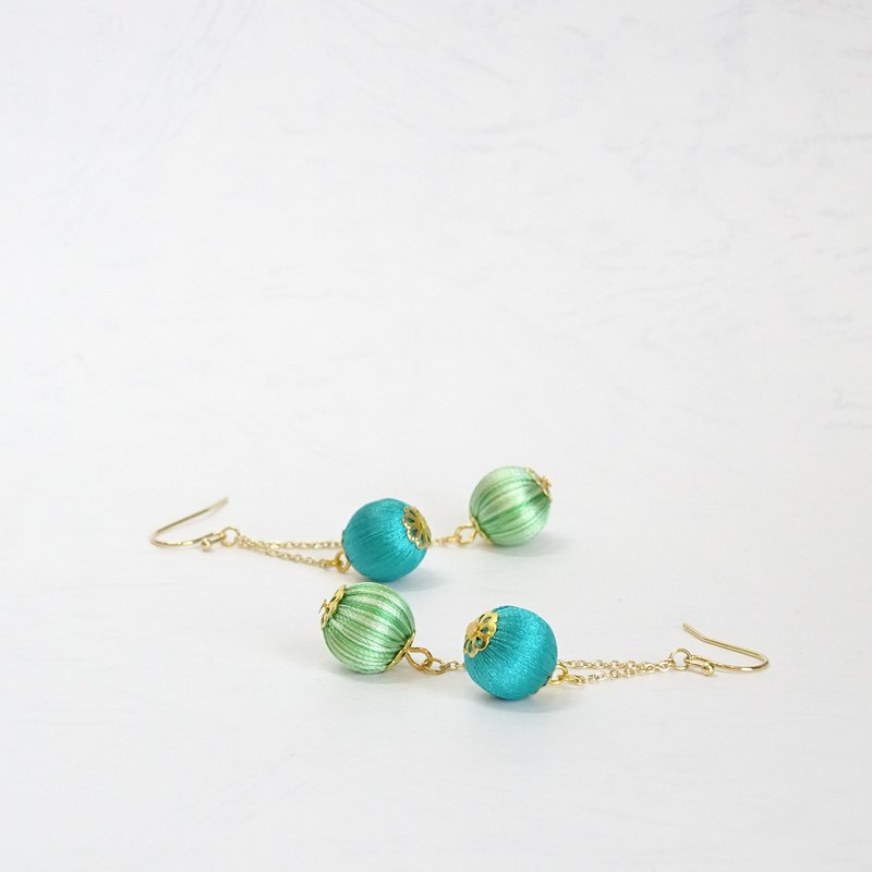 Japanese Roll Jade Sways Green Dangle Earrings
